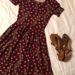 LuLaRoe Dresses - Amelia dress with pockets, flowy and beautiful 👗